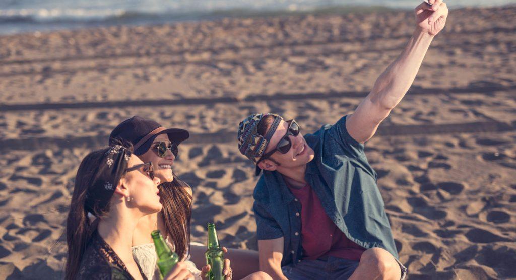 Direct réseaux sociaux zenfone plage vacances