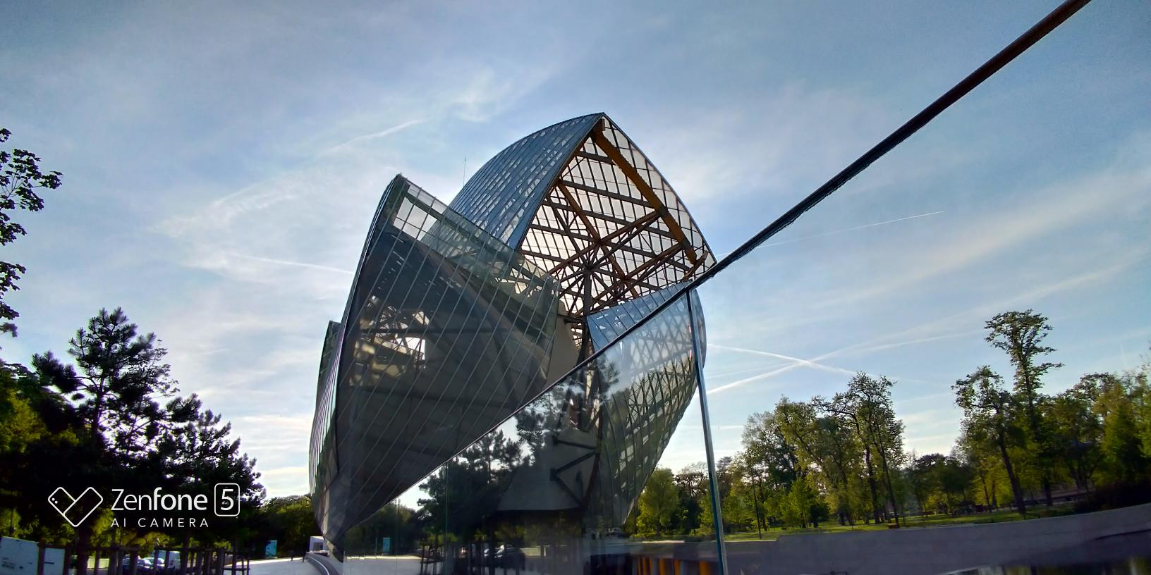 Fondation Louis Vuitton Zenfone 5